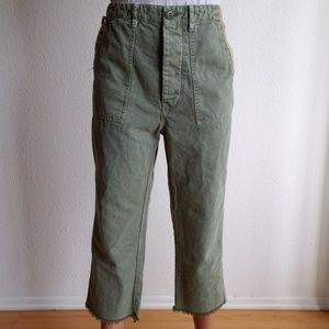 The Great Cargo Distressed Embroidered Capris 28